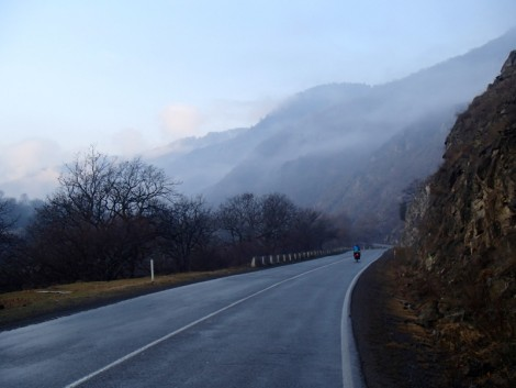 Road to Akhaltsikhe devoid of traffic