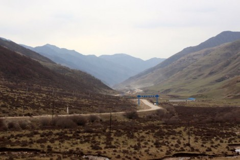 The road leading up to the peak on day two out of Lanzhou.