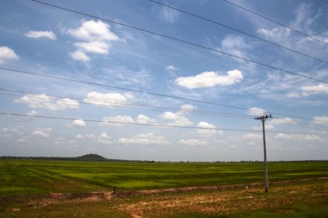 The Cambodian countryside was so dull and flat on the first day out of Siem Reap we were almost obliged to take this photo!