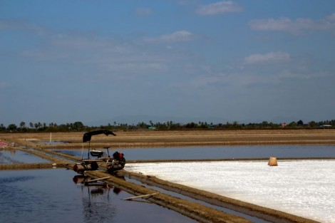 Typical scene from one of the many salt farms south of Bangkok.