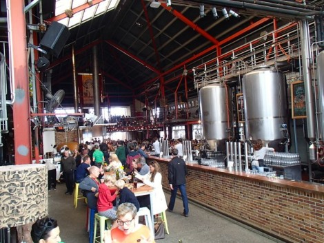 Little Creatures in Freo… this place rivals any place I have been to in London (obviously this excludes the late, great Wimbledon Walkabout). Top drawer!